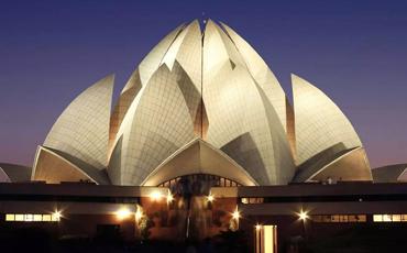 Amritsar to Delhi Tempo Traveller Rental Service