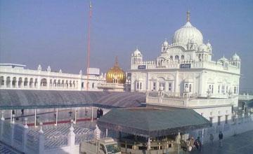 1 Day Tour of Amritsar Gurudwaras with Chheharta Sahib, Taran Tarn Sahib, Goindwal Sahib etc.